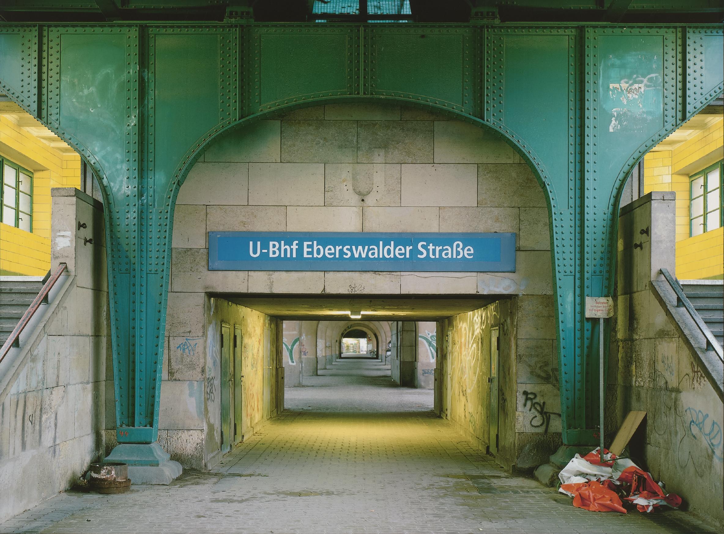 Schäfer_Berlin_U-Bahnhof Eberswalder Straße_1999