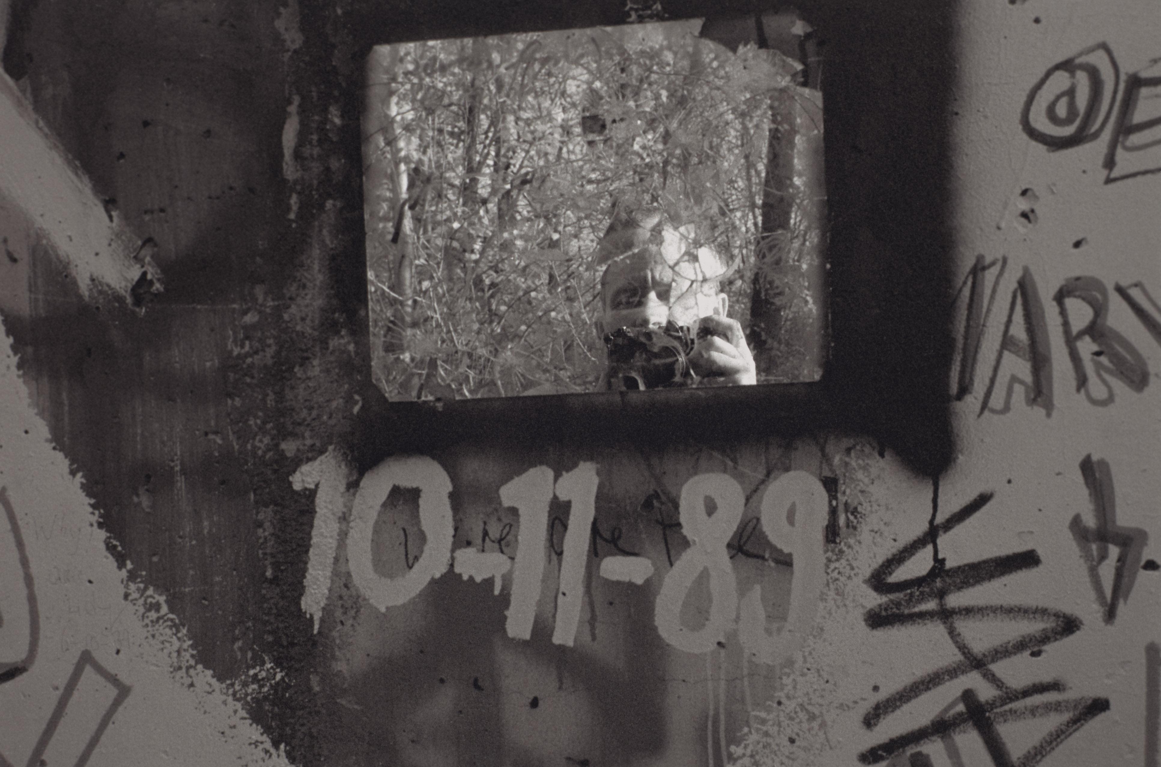 Gäbler_Berlin_Selbstportrait an der Mauer